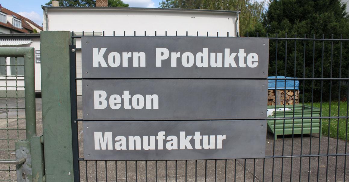 Firmenschild aus Beton - Beton Manufaktur